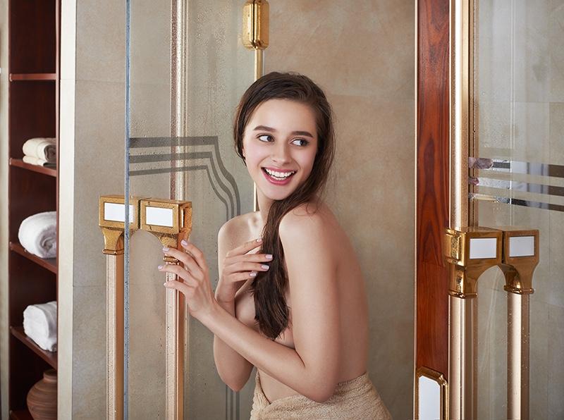 洛森淋浴房平面形象拍摄效果图2